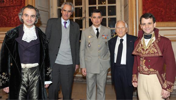 Messieurs Alain Pochet, Charles Napoléon, Général de Division Christian Baptiste, Directeur du musée de l'Armée, Jean d'Ormesson et Maxime d'Aboville