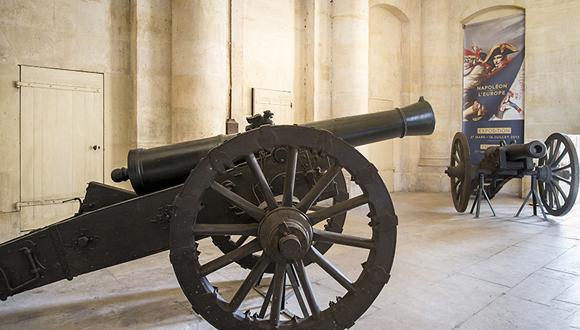 Bandeau : les pièces d'artillerie de l'exposition Napoléon et l'Europe