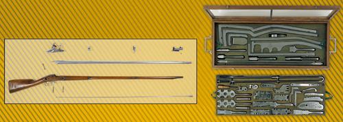 A gauche : Fusil d'infanterie modèle 1777, à droite : coffret de vérification du fusil modèle 1777