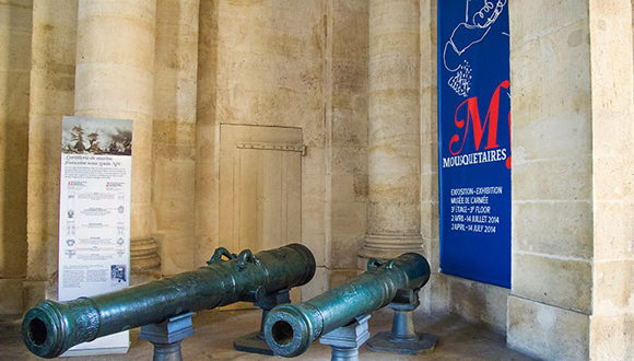 Canons voûte nord, exposition Mousquetaires !
