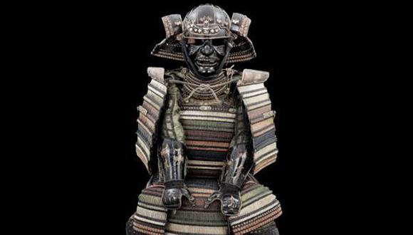 Armure de type « Iro Iro Domaru no Yoroi » Travail japonais, fin XVIe – début XVIIe siècle © Paris – musée de l'Armée, Dist. RMN-Grand Palais / Emilie Cambier