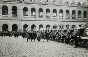 MA BA IGG ep7 1 20140811 300x196 Les Invalides dans la Grande Guerre, épisode 7 : des ambulances russes dans la cour dhonneur