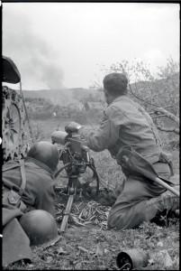 Combats pour la prise de Futzen, dans le Bade-Würtemberg, Allemagne, 26 avril 1945 © ECPAD / Germaine Kanova