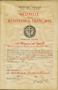 Diplôme vierge de la médaille de la Résistance, signé du général de Gaulle, président du CFLN © musée de l'ordre de la Libération / DR