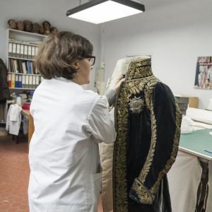 MA BA feuilleton Ney 6 1 20150723 300x300 L'habit de cérémonie du Maréchal Ney, épisode 6 : une restauration d'envergure
