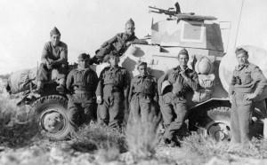 Les spahis sur les hauts de Matmata, Tunisie, en mars 1943 © musée de l'ordre de la Libération / DR