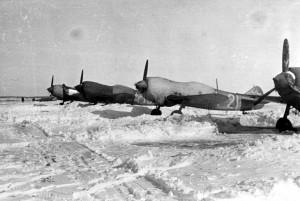 Avions Lavochkin La - 5 d'un régiment soviétique sur le terrain de Toula © musée de l'ordre de la Libération / DR