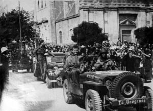 Pierre-Louis Bourgoin lors de la libération de Vannes, le 7 aout 1944 © musée de l'ordre de la Libération / DR