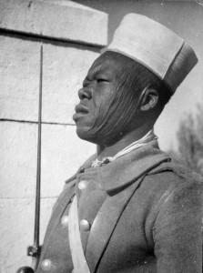 Un tirailleur du BM 2 à Quastina (Palestine) en mai 1941 © musée de l'ordre de la Libération / DR