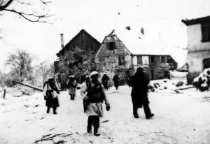 Le BM 11 dans la neige à Illhausern, Alsace, janvier 1945 © musée de l'ordre de la Libération / DR