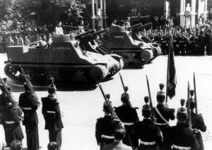 Batterie du 1/3 RAC lors du défilé de la victoire sur les Champs-Elysées, le 18 juin 1945 © musée de l'ordre de la Libération / DR