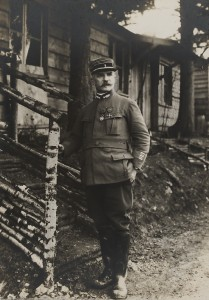 Verdun épisode 8-2 : Le lieutenant-colonel Driant au bois - fonds Valois - © Collection Bibliothèque de documentation contemporaine