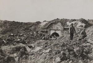 Verdun épisode 12-1 : Entree du fort de Souville, fonds Valois