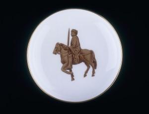 Verdun épisode 20-3 : Coupelle de Porcelaine pour l'anniversaire du Traité de Verdun 2, © Musée de l'Armée