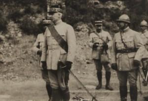 Verdun épisode 25-1 : Décoration du Général Pétain par le Président Poincaré, Fonds Valois