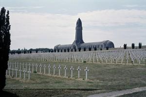 Verdun épisode 26-1 : La nécropole nationale et l'ossuaire de Douaumont, Agence BPK