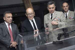 MA 1110 Inauguration GS 2 300x200 Inauguration de lexposition Guerres secrètes par Jean Yves Le Drian, Ministre de la Défense